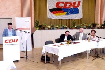 Roswitha Schier, CDU-Kreisvorsitzende in OSL, legt Rechenschaft über die Arbeit des Kreisverbandes ab.